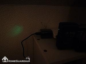 インジケーターライトは暗闇だと明るく目立つ