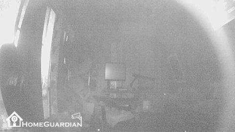 時計型カメラの赤外線LEDの明るさ画像