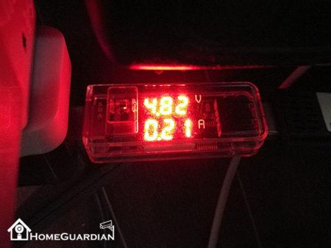 付属コンセントの電圧と電流